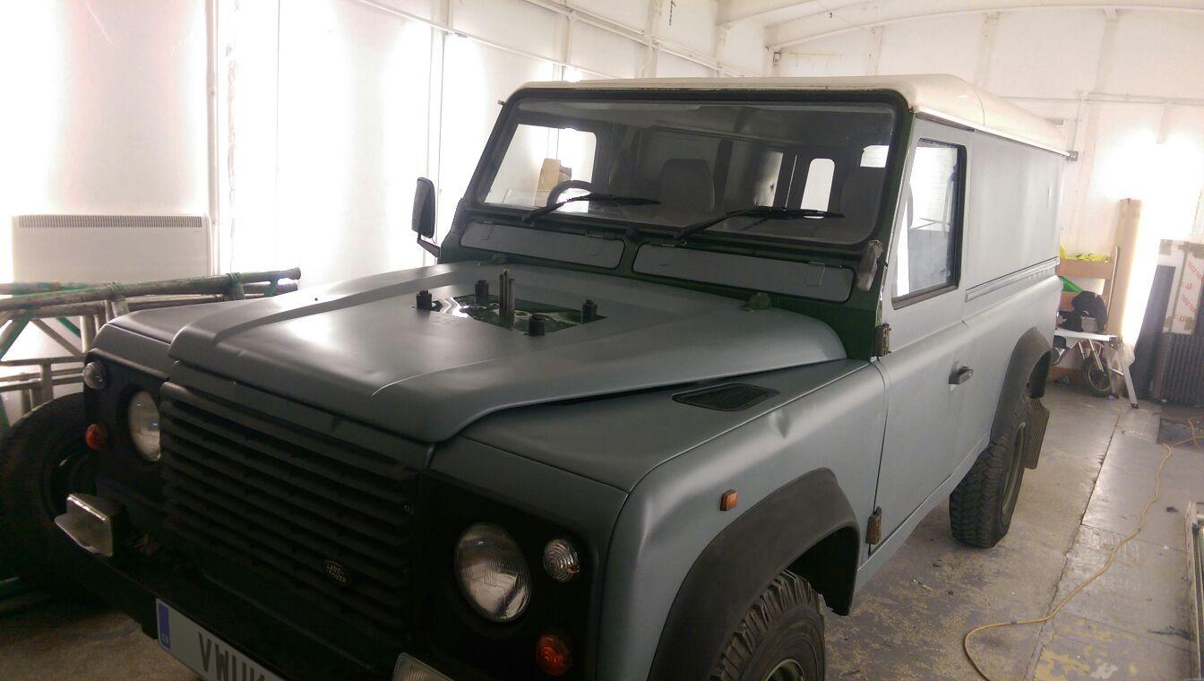 Matt Land Rover Defender 2