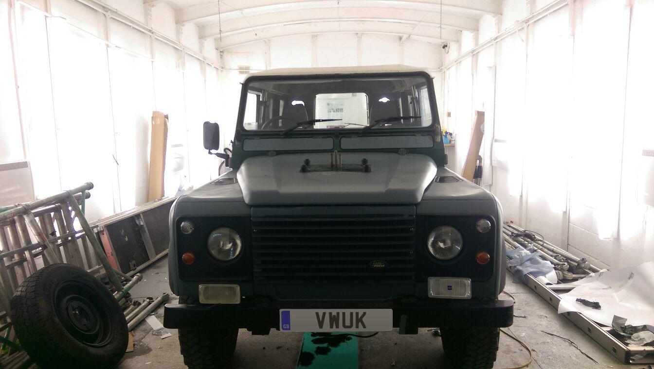 Matt Land Rover Defender 5